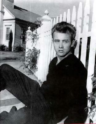 James Dean - am Zaun